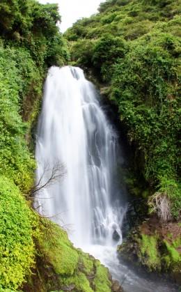 Découverte de la cascade sacrée à Peguche